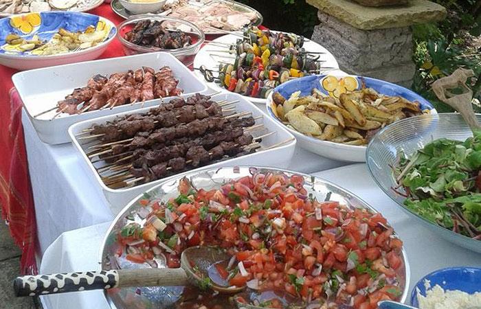 6-buffet-table